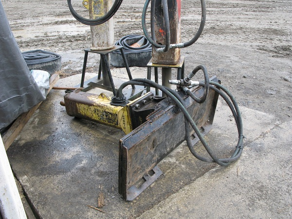 500 lb Hydraulic Hammer Attachment for Skid Steer