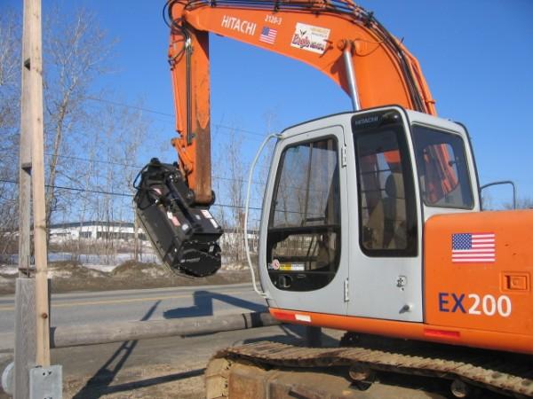Excavator - EX 200 - 46,300 lb - w/ Mulcher
