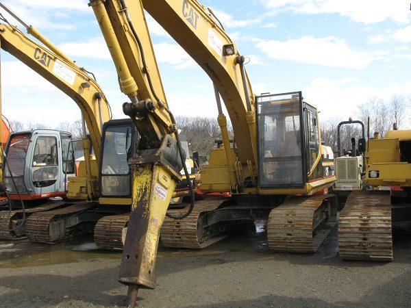 Excavator - Cat 320 - 45,000 lbs - w/ 4,500 lb Hydraulic Hammer