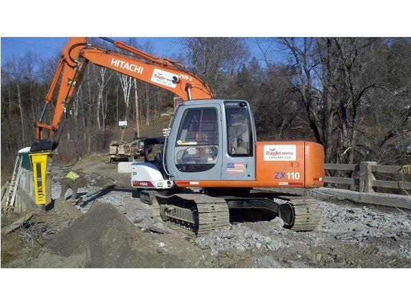 Excavator 311/110 - 24,000 lb - w/ 2000 lb Hydraulic Hammer