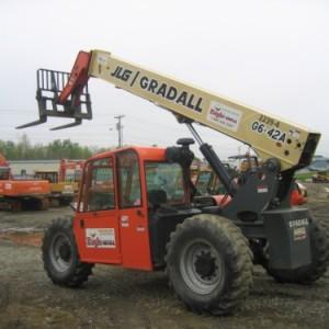 6,000 4WD Fork Lift - 42' Vertical Reach