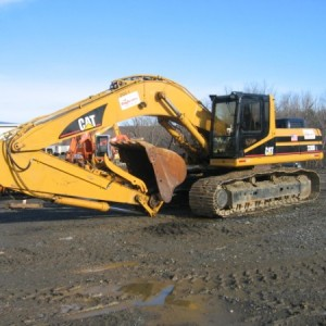 Excavator - 300 or 330 - 80,000 lb - w/ Hydraulic Thumb