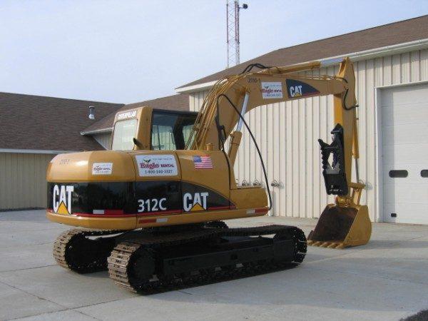 Excavator - 312 or EX120 - 28,000 lb -w/ Hydraulic Thumb