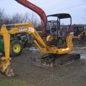 Mini Excavator Medium - 6,000 lb