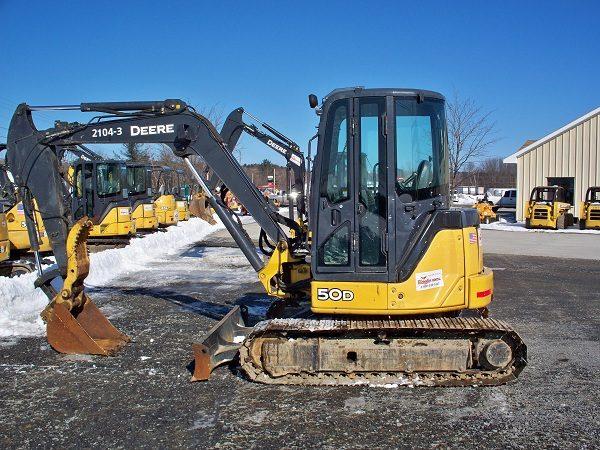 Mini Excavator XLarge - 12,000 lb - w/ Hydraulic Thumb