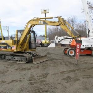 Excavator - Cat 307 - 16,000 lbs - w/ 1,200 lb Hydraulic Hammer